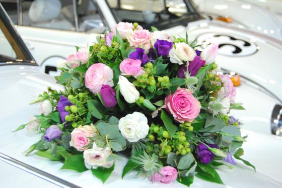 Voorkeur Een mooi bloemstuk voor op de trouwauto #TL48