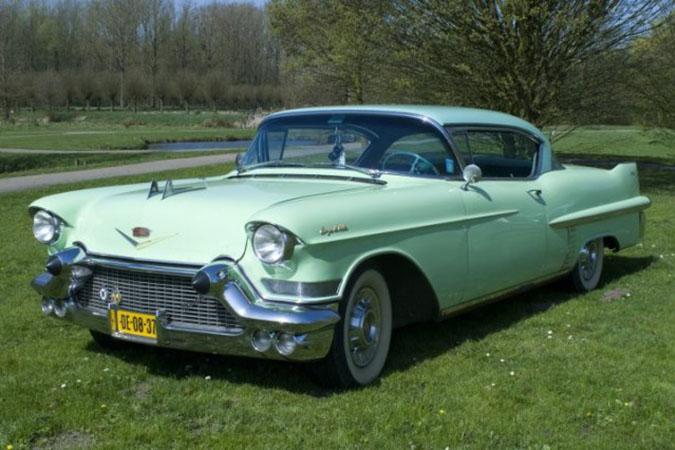 Cadillac Coupe De Ville Trouwauto Uit De 60 Er Jaren