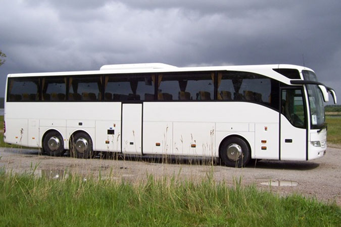 Witte moderne trouwbus (57 personen)